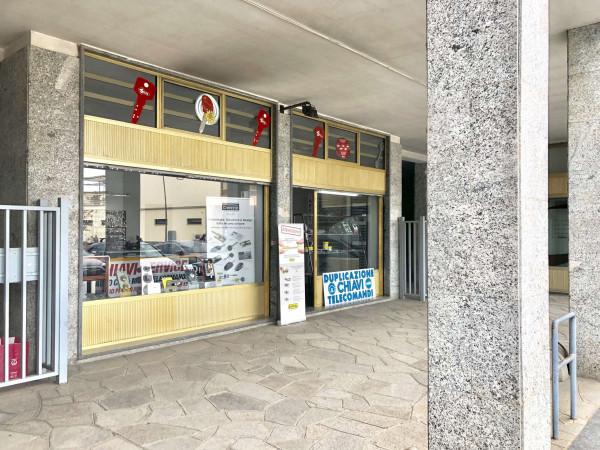 Negozio in vendita a Druento, Centro, 55 mq