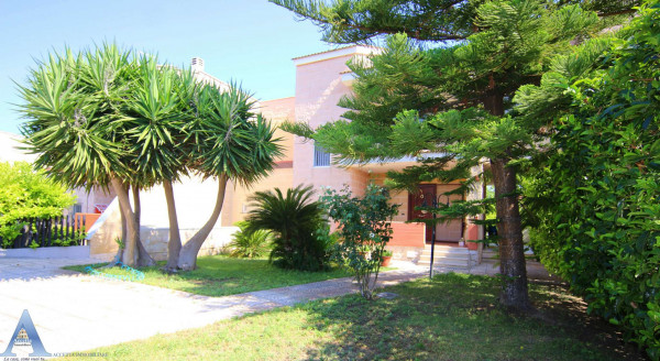 Villa in vendita a Taranto, Lama, Con giardino, 164 mq