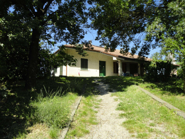 Villa in vendita a San Salvatore Monferrato, Con giardino, 270 mq