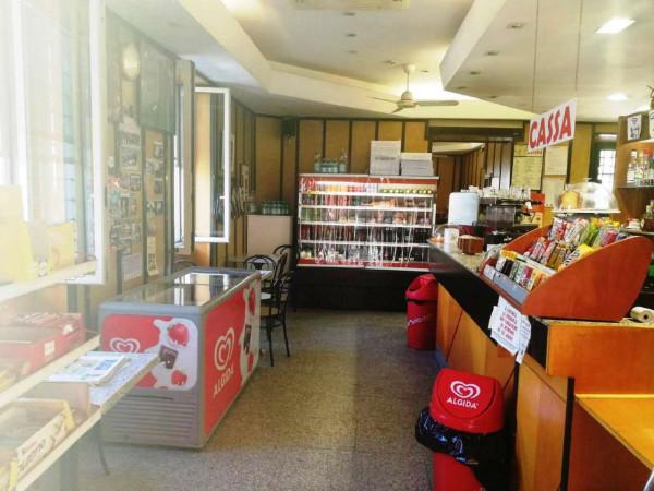 Locale Commerciale  in vendita a Roma, Aurelia Municipio, 150 mq