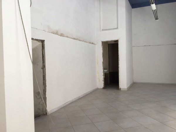 Locale Commerciale  in affitto a Sant'Anastasia, Centrale, 90 mq - Foto 4