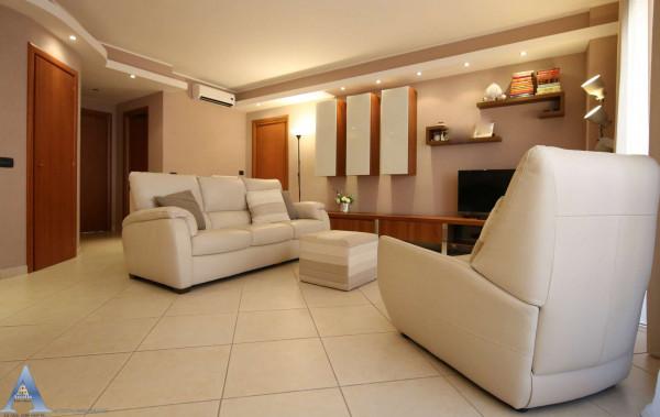 Appartamento in vendita a Taranto, Lama, 105 mq