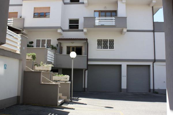 Appartamento in vendita a Lanuvio, Con giardino, 100 mq