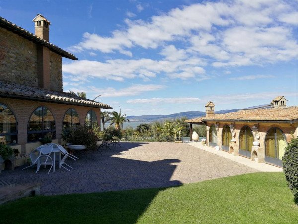 Rustico/Casale in vendita a Magione, Monte Del Lago, Con giardino, 530 mq