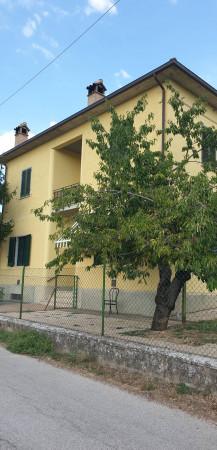 Casa indipendente in vendita a Trevi, Santa Maria In Valle, Con giardino, 200 mq - Foto 2