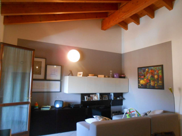 Appartamento in vendita a Crespiatica, Residenziale, 86 mq