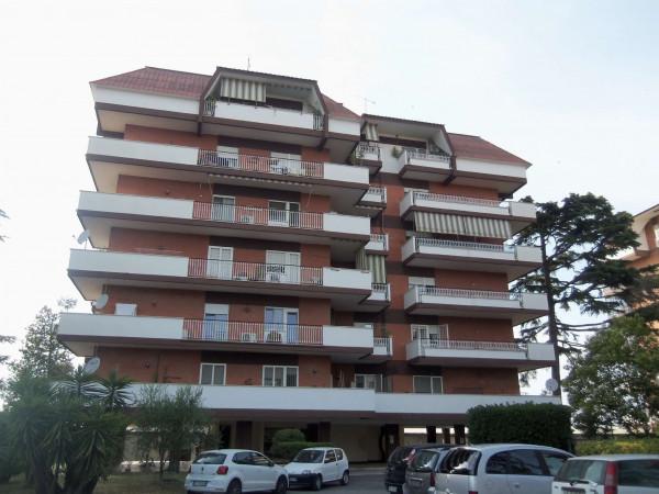Appartamento in affitto a Monterotondo, Con giardino, 140 mq