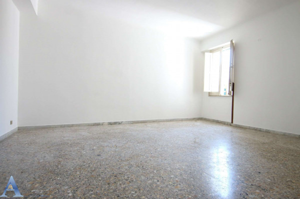 Appartamento in vendita a Taranto, Tre Carrare, Italia, Montegranaro, 97 mq - Foto 12