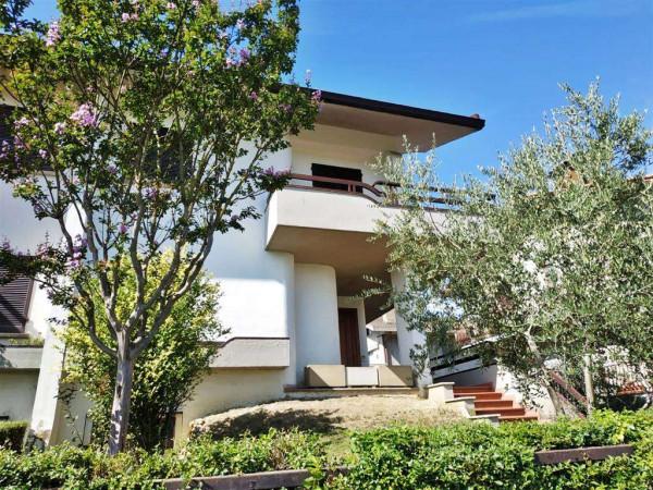 Villa in vendita a Città di Castello, Con giardino, 350 mq