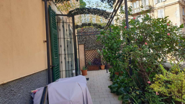 Appartamento in vendita a Genova, Adiacenze Via Frugoni, Arredato, 72 mq