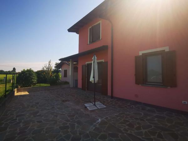 Villa in vendita a Pandino, Residenziale, Con giardino, 180 mq - Foto 2