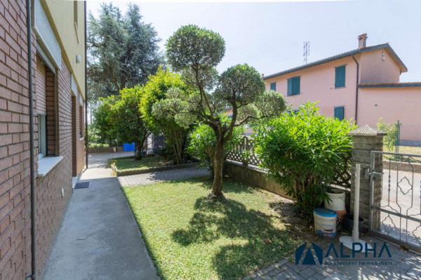 Appartamento in vendita a Forlimpopoli, Con giardino, 200 mq