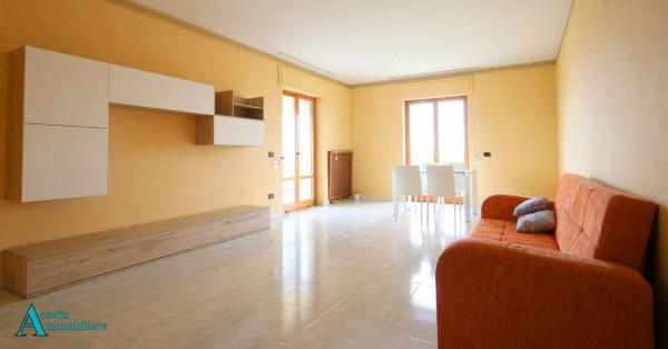 Appartamento in affitto a Taranto, Residenziale, Arredato, con giardino, 113 mq