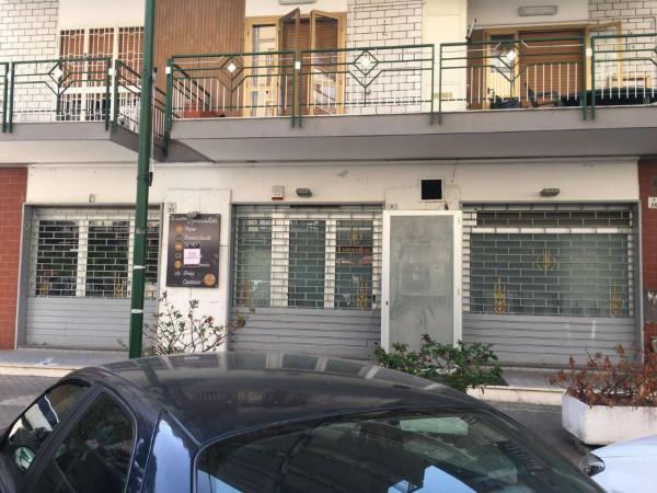Locale Commerciale  in affitto a San Giorgio a Cremano, 90 mq