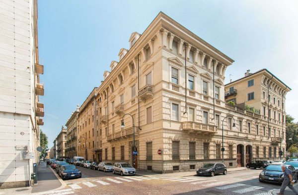 Appartamento in affitto a Torino, Piazza Solferino, 90 mq