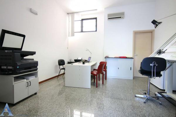 Locale Commerciale  in vendita a Taranto, Lama, 80 mq - Foto 4