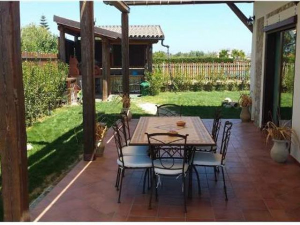 Casa indipendente in vendita a Cirò Marina, Brisi, Con giardino, 200 mq