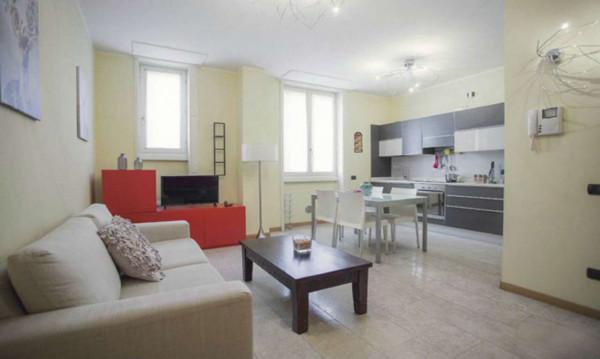 Appartamento in affitto a Milano, Duomo, Arredato, 68 mq