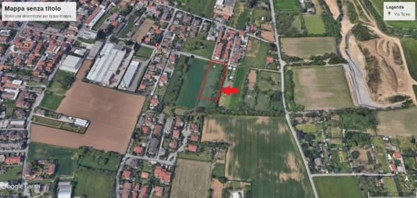 Locale Commerciale  in vendita a Giussano, 4300 mq