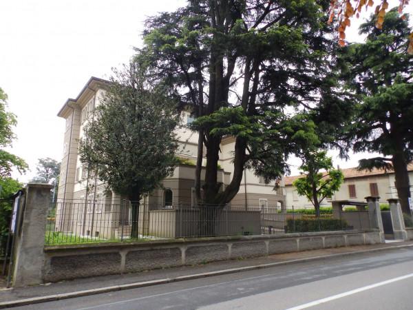Appartamento in vendita a Lentate sul Seveso, Centralissimo, Con giardino, 125 mq
