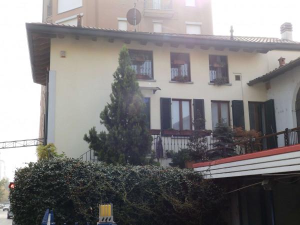 Appartamento in vendita a Seregno, Centro, Con giardino, 220 mq