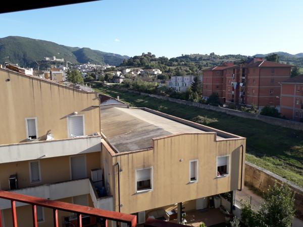 Appartamento in vendita a Spoleto, Centrale, 80 mq