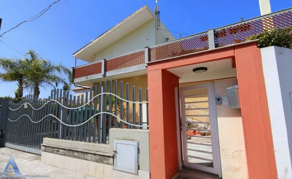 Villa in vendita a Taranto, Talsano, Con giardino, 130 mq