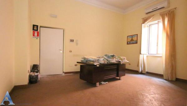 Appartamento in vendita a Taranto, Tamburi, Con giardino, 79 mq