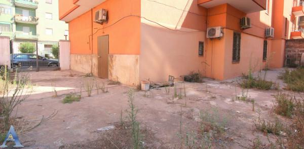 Appartamento in vendita a Taranto, Tamburi, Con giardino, 79 mq - Foto 8