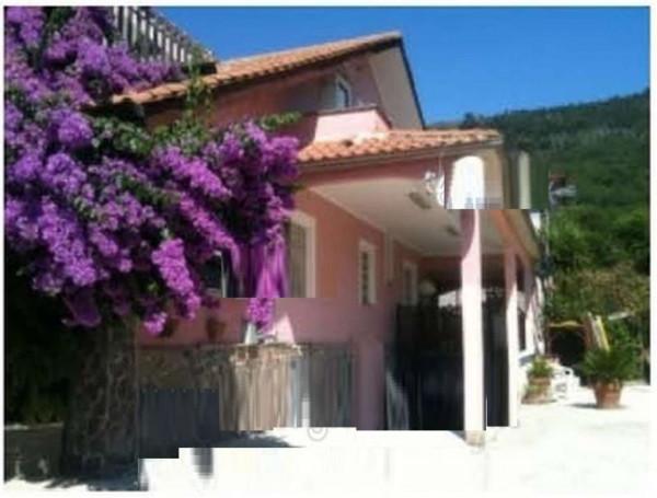 Appartamento in vendita a Velletri, 90 mq
