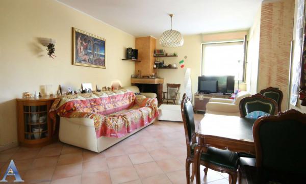Appartamento in vendita a Taranto, Lama, 119 mq