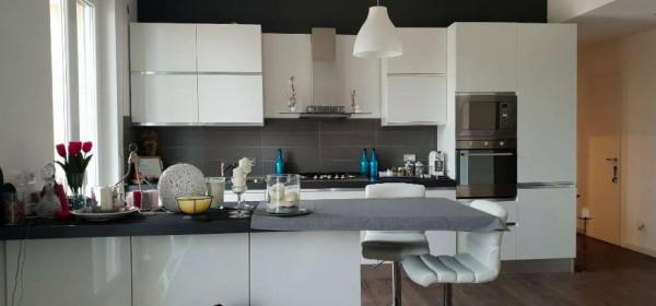 Appartamento in vendita a Genova, 105 mq