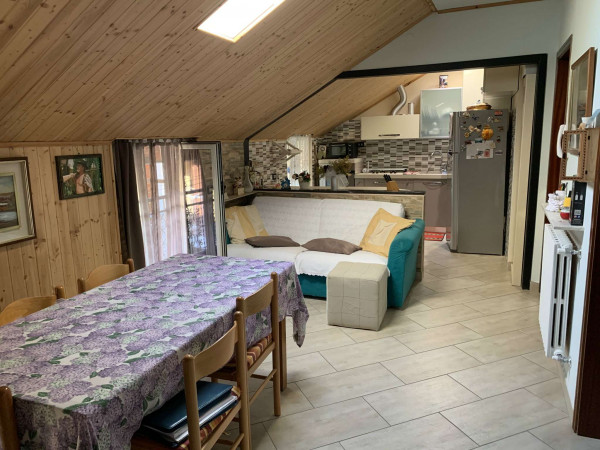 Appartamento in vendita a Cesate, 75 mq
