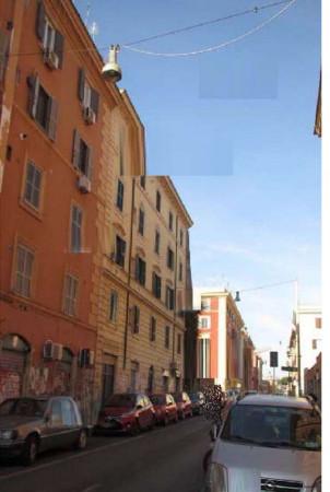 Appartamento in vendita a Roma, 66 mq