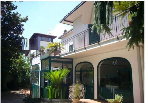 Casa indipendente in vendita a Velletri, 213 mq