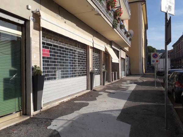 Negozio in affitto a Spoleto, Centrale, 65 mq