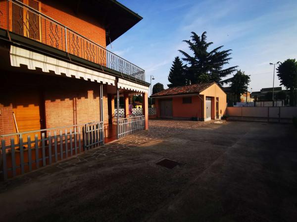 Casa indipendente in vendita a Chieve, Residenziale, Con giardino, 184 mq
