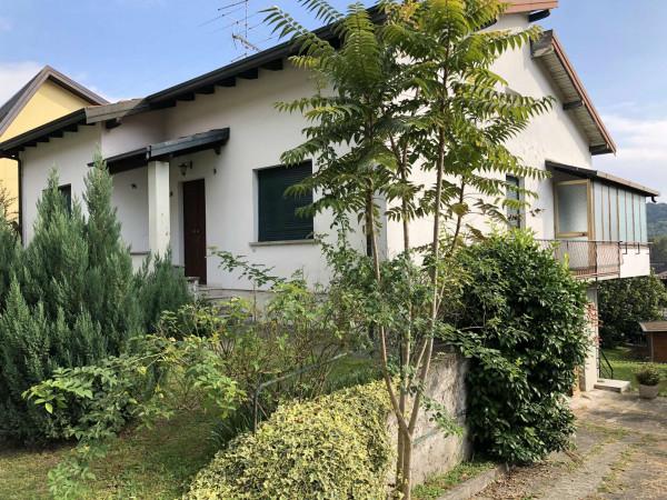 Villa in vendita a Caravate, Con giardino, 200 mq