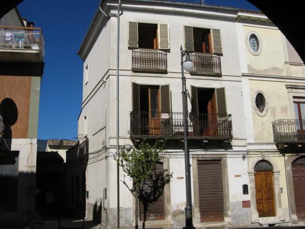 Appartamento in vendita a Tocco da Casauria, Centro, 90 mq