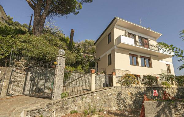 Villa in vendita a Genova, Pegli, Arredato, con giardino, 200 mq - Foto 1