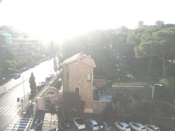 Appartamento in vendita a Roma, Ostiense, 120 mq