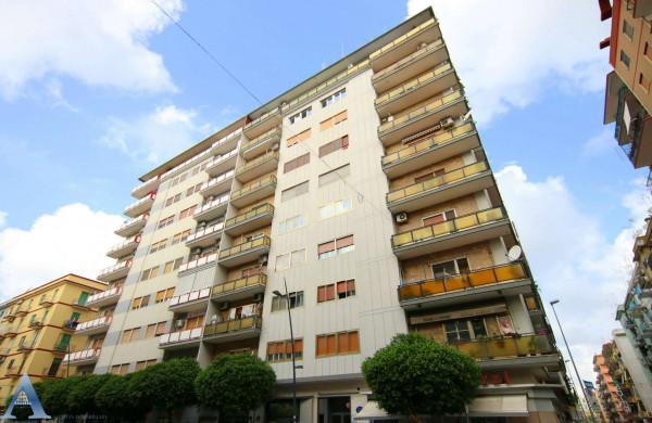 Appartamento in vendita a Taranto, Rione Italia, Montegranaro, 95 mq