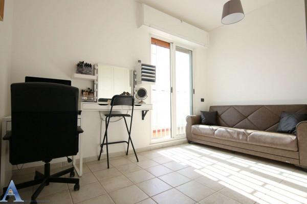 Appartamento in vendita a Taranto, Rione Italia, Montegranaro, 95 mq - Foto 8