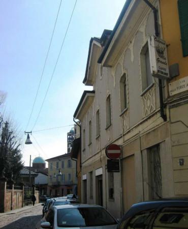 Locale Commerciale  in vendita a Milano, Forze Armate, 320 mq