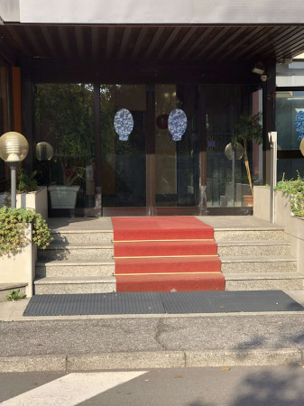 Locale Commerciale  in vendita a Tavazzano con Villavesco, Stazione, Con giardino, 900 mq - Foto 6