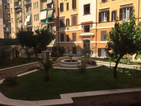 Appartamento in vendita a Roma, Piazza Ragusa, Con giardino, 65 mq