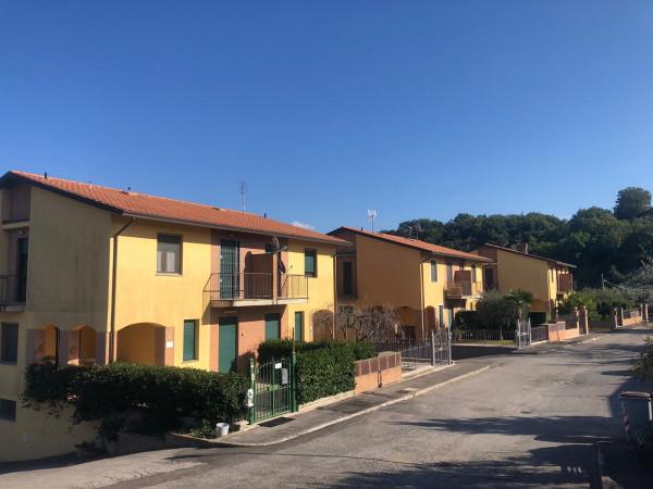 Casa indipendente in vendita a Bettona, Bettona, Con giardino, 180 mq