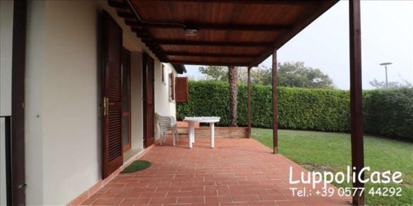 Villa in vendita a Siena, Arredato, con giardino, 63 mq