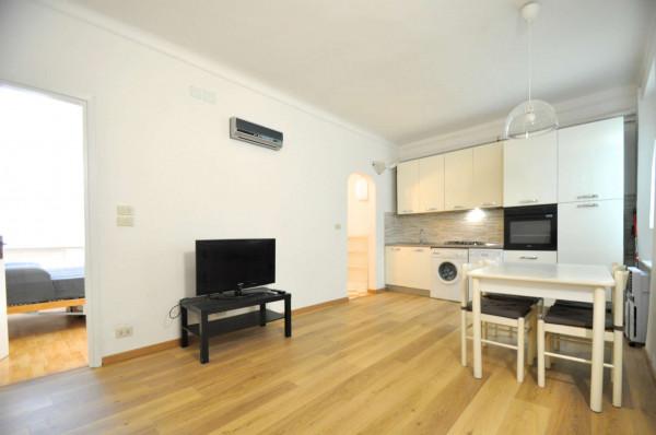 Appartamento in vendita a Genova, Sestri Ponente, 50 mq