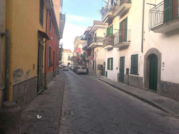 Locale Commerciale  in affitto a Pomigliano d'Arco, Centrale, 100 mq - Foto 3